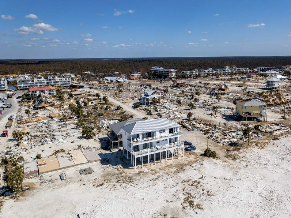 MEXICO BEACH HOME STANDS UP TO MICHAEL WHILE OTHERS DID NOT